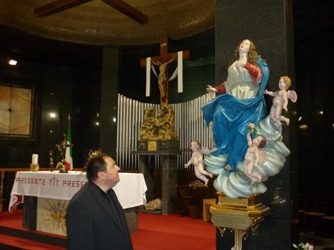 t_Regina della Pace - Altare